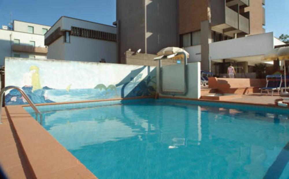 Hotel con piscina rimini hotel miramare di rimini hotel 3 stelle superiore miramare devira - Hotel con piscina a rimini ...